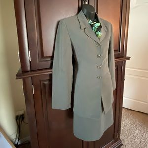 MT Morgan Taylor Studio Petite Plus size 14P Suit